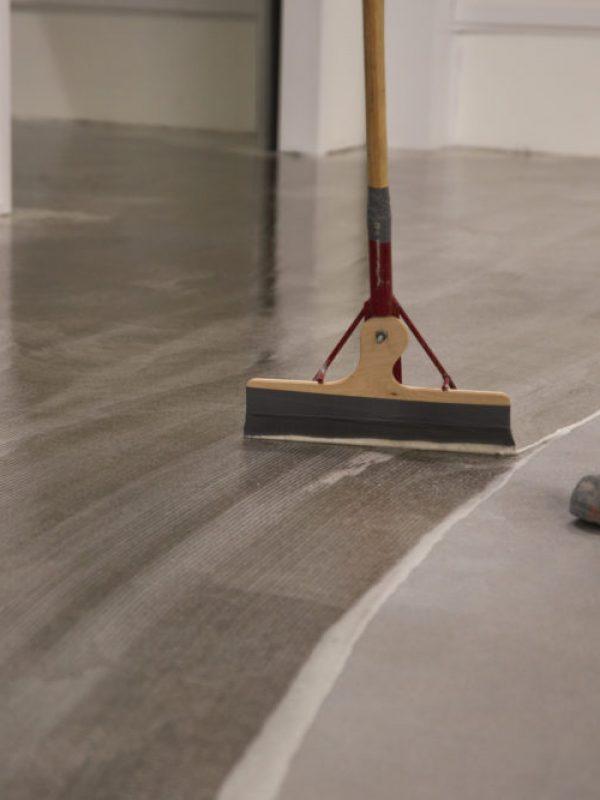 grunning av epoxy gulv
